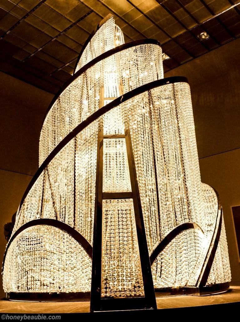 contemporary-art-sculpture-louvre-museum-abudhabi