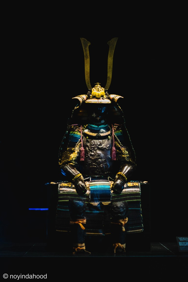 complete-traditional-armor-Japanese-samurai