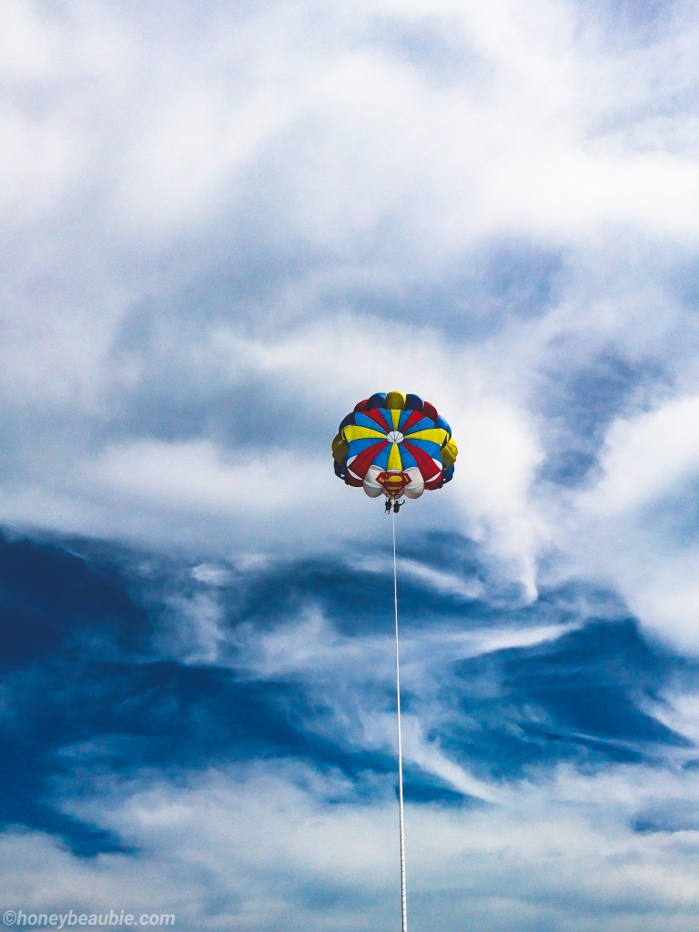 Parasailing-in-Boracay-Philippines