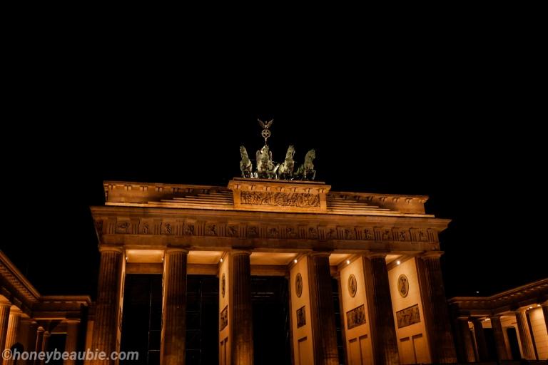 famous-landmark-berlin-brandenburg-gate